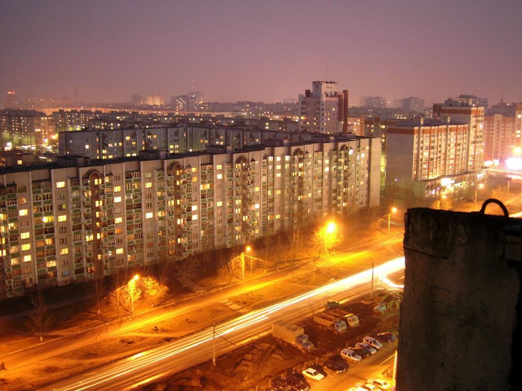 Ночной вид на улицу 60-й Армии в Воронеже фото