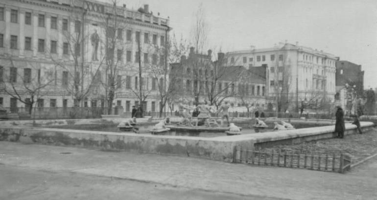 Фонтан в Кольцовском сквере в Воронеже старое фото