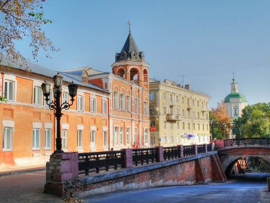 Каменный мостик в Воронеже фото