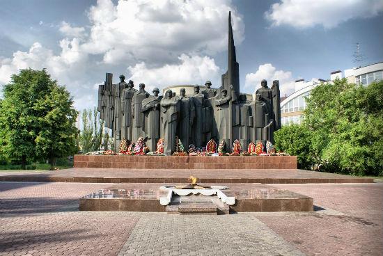 Мемориальный комплекс на площади победы Воронеж фото