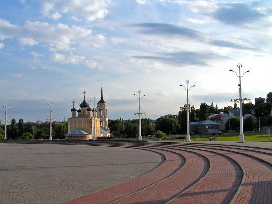 Городская набережная Воронежа фото