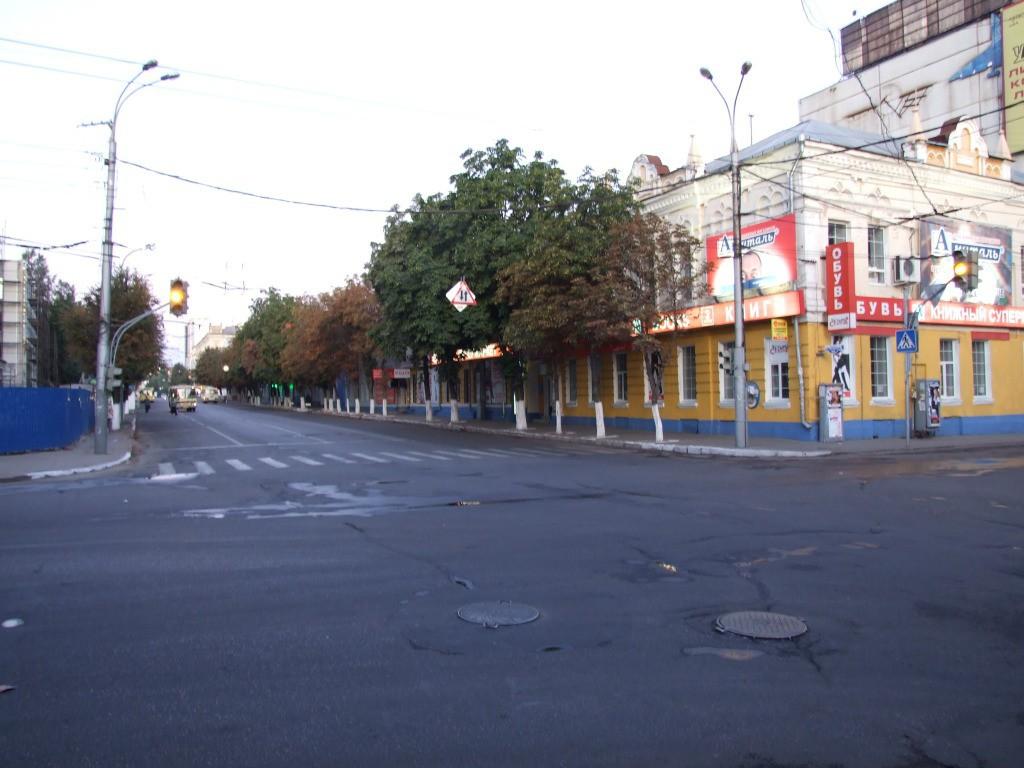 Перекресток ул. Фридриха Энгельса ул. Среднемосковская в Воронеже фото
