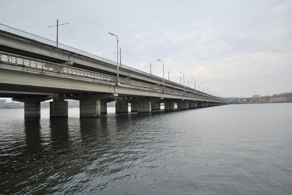 Северный мост - вид с набережной в Воронеже фото
