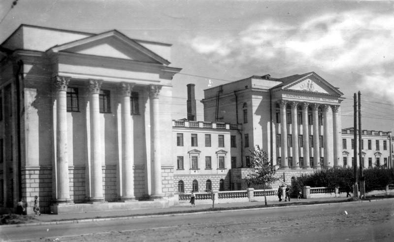 Строительный институт в Воронеже старое фото