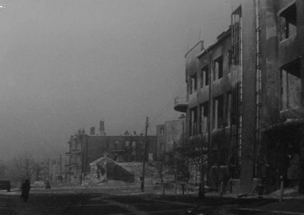 Театральная площадь в годы войны в Воронеже фото
