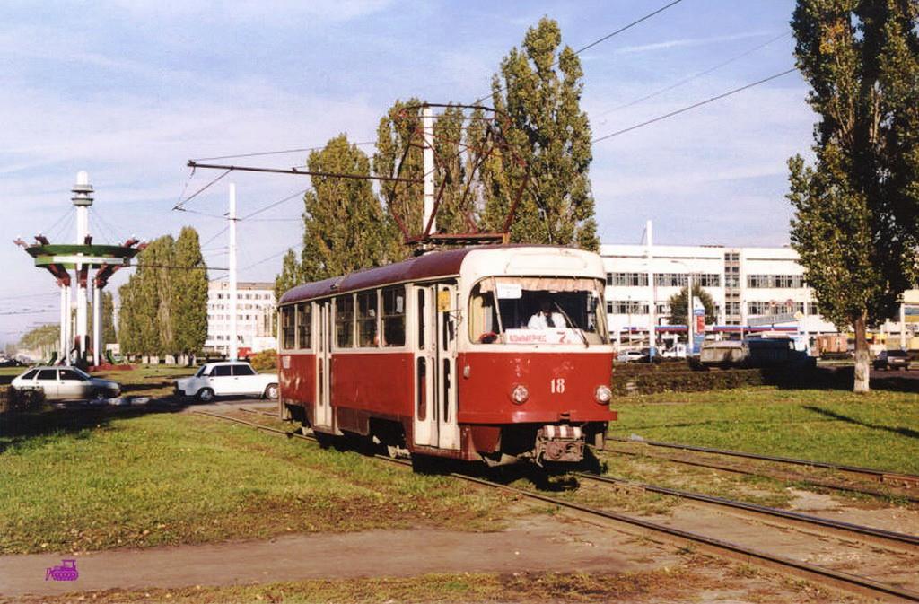 Трамвай на ул. Остужева в Воронеже фото