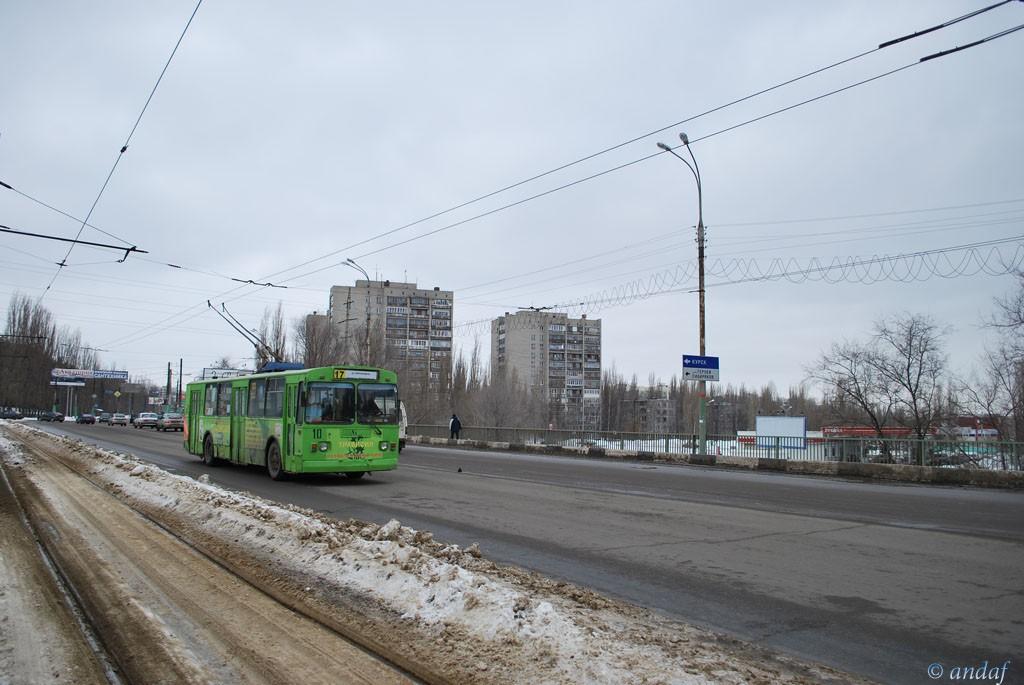 Троллейбус на ул.Южно-Моравская в Воронеже фото