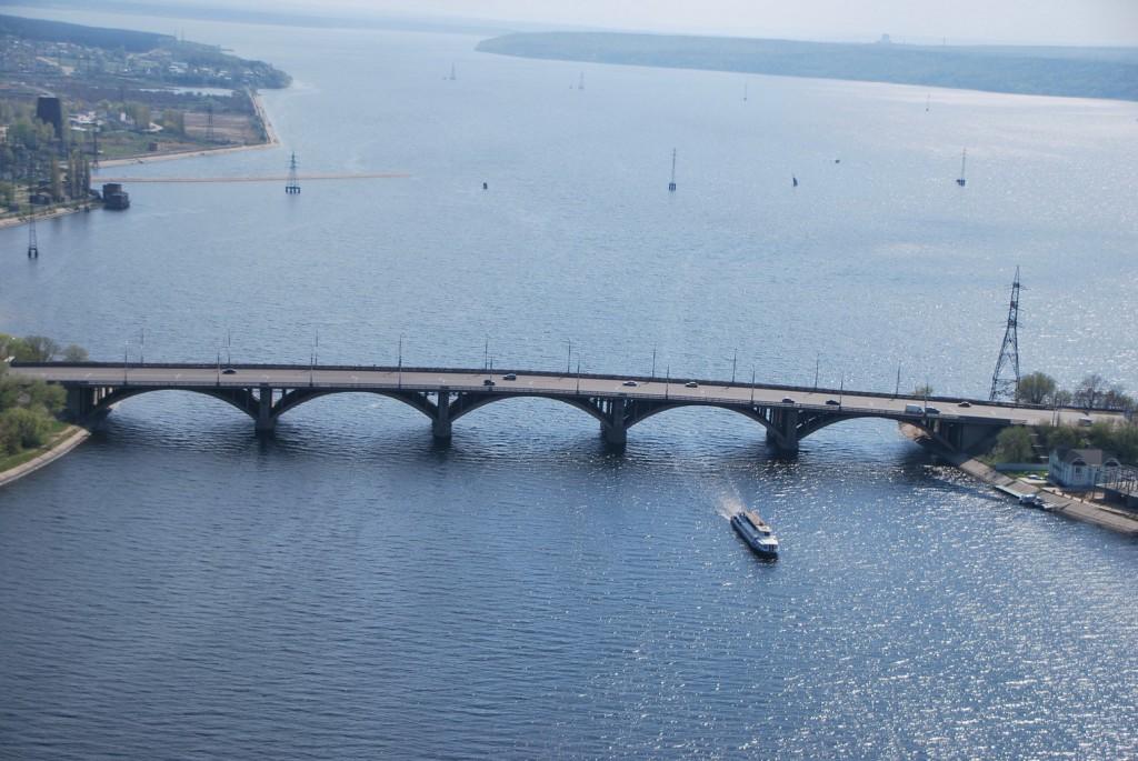 Вогрэсовский мост с высоты в Воронеже фото